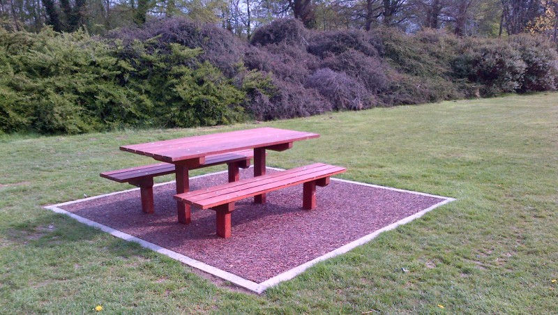 p500 p501 picnic table