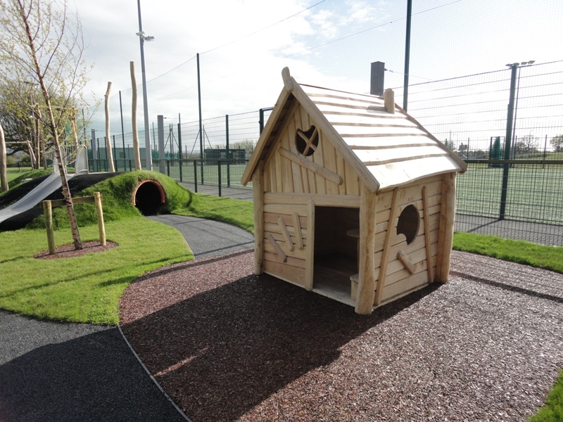 B001 Play House