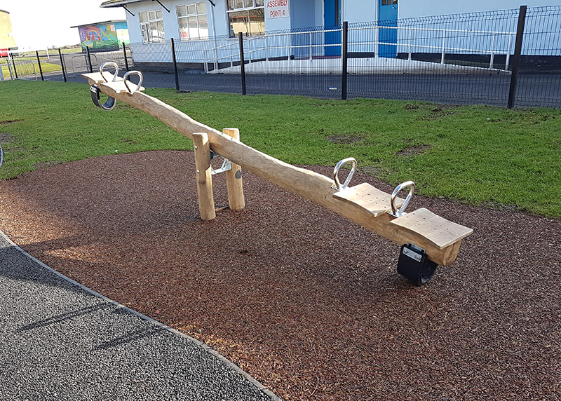 Seesaw 4 person